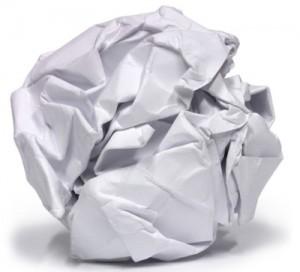 Una bola de papel arrugado
